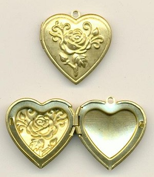 29x28mm Patterned Heart Locket