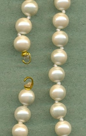 17 1/2'' White Pearl Strands