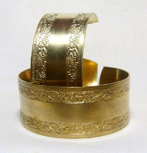 1'' Brass Floral Edged Cuff