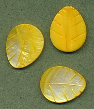 25x20mm Yellow Shell Leaf Bead