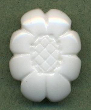 22x17mm White Oval Flower Beads