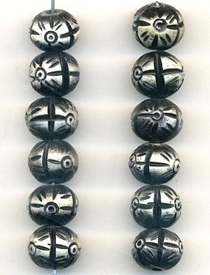 10mm Black/White Carved Bone Beads