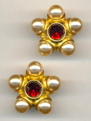 25mm GP Siam Ruby/Beige Pearl Ear Clips