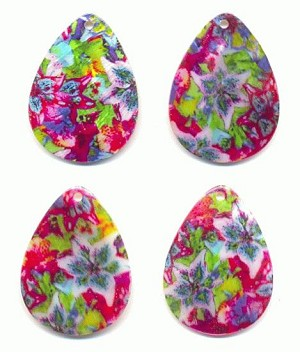 40x30mm Floral Print Shell Pendant
