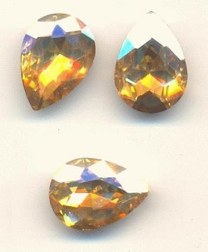 14x10mm Champagne/Gold Shadow Pear RS