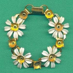 Very Pale Pin Flower Bracelet W/Settings